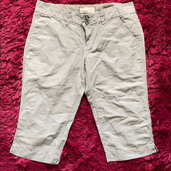 Old Navy grey capris pants
